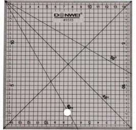 Линеал за пачуърк 15 х15 см. Donwei 1515